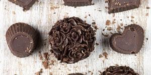 Enjoy this Peanut Butter Chocolate Keto Fat Bomb Recipe.
