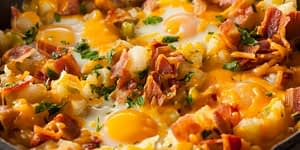 This skillet breakfast is a favorite for those that enjoy the Keto way of eating. There's no way you will feel like you are on a diet after enjoying this meal. Bread and Potatoes won't be missed as you will quickly find yourself full on the fabulous fats that this meal offers.